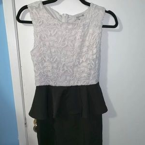 Forever 21 Lace Dress in Small !